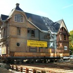 Ladd Carriage House - Building Move